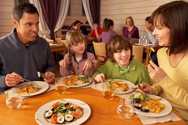 Family Dinner Out Kid Friendly Restaurants