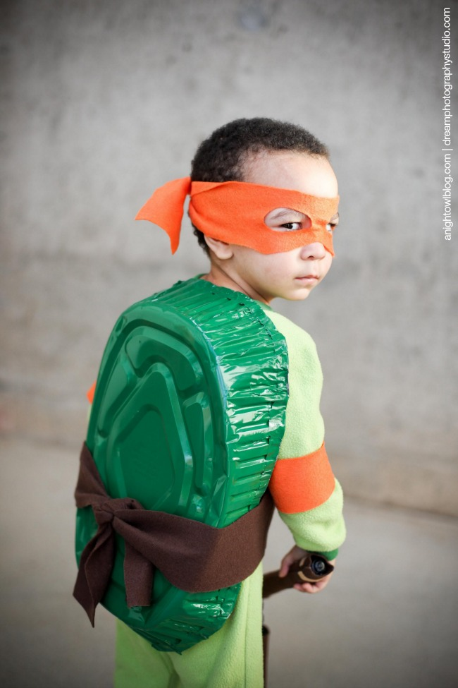 Diy halloween costumes no sew and nice and easy this diy ninja turtle costume is adorable from a night owl solutioingenieria Image collections