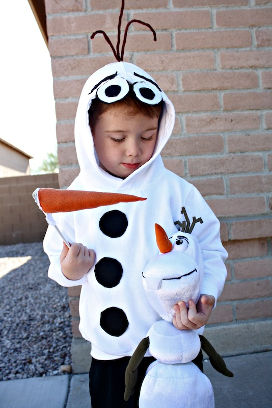 who doesnt love sweet cuddly olaf from the popular movie frozen desert chica pulls together a costume that is easy to make and wont break the bank